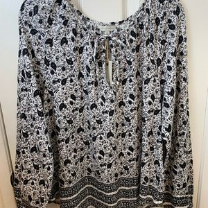 NWT Lucky Brand Black & White Print Top. Large